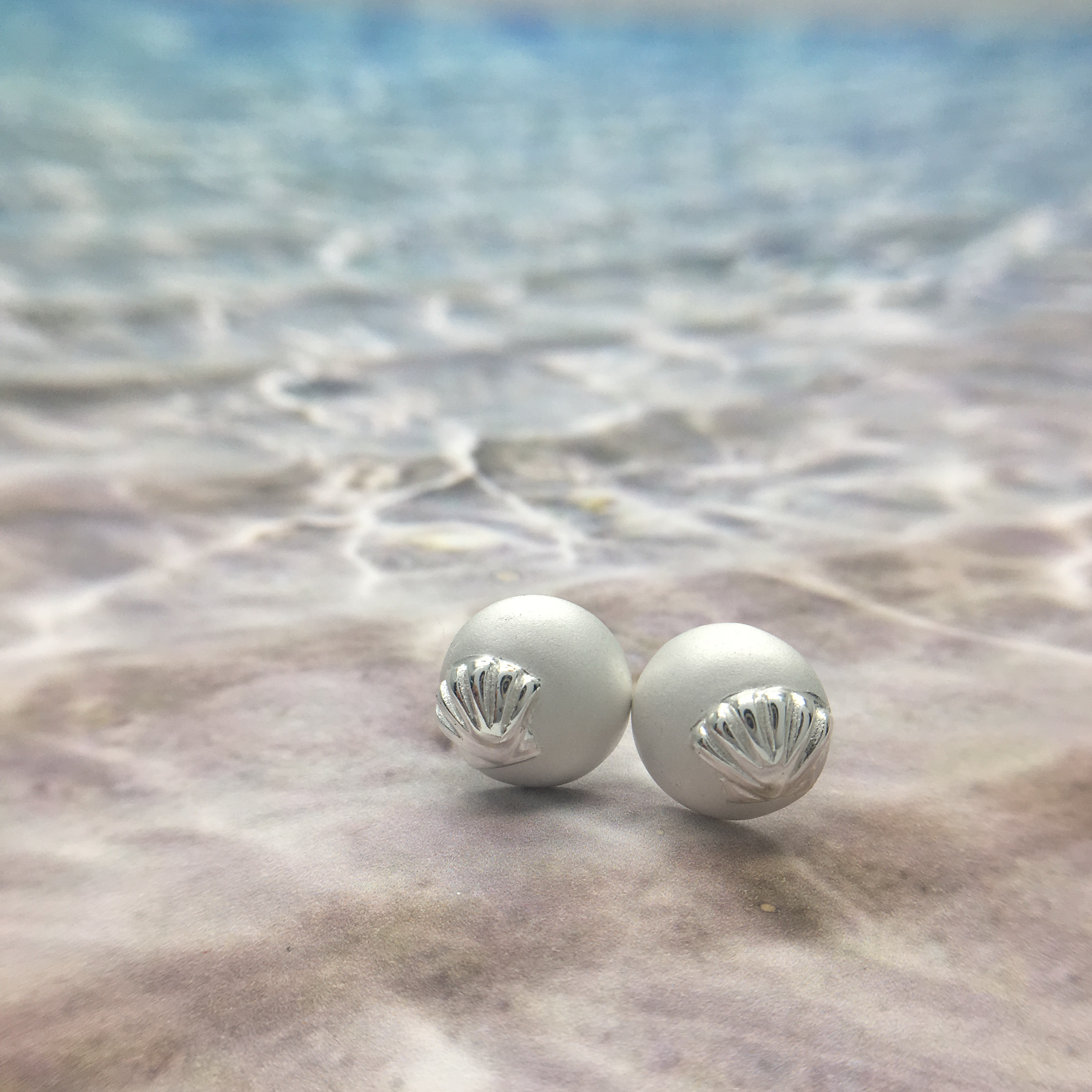 Matte Sand and Sea Shell - Earrings