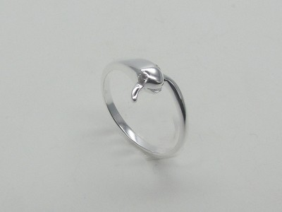 Clear Eyes Snake Ring
