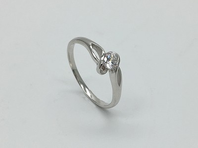 4mm Solitaire a la Oval Ring